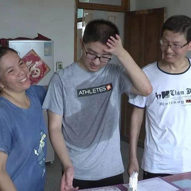 如皋这个男孩考上了清华大学!父亲身患癌症苦瞒一年