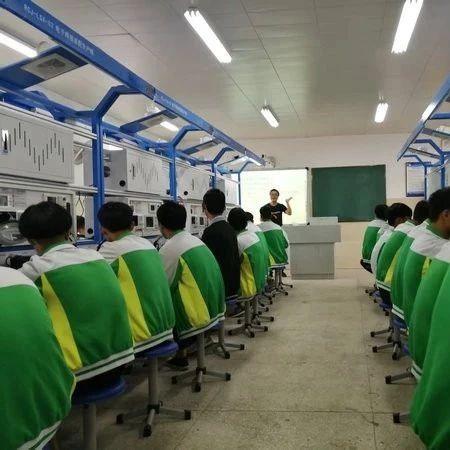合江县开展中等职业学校电子电工专业教研联组活动