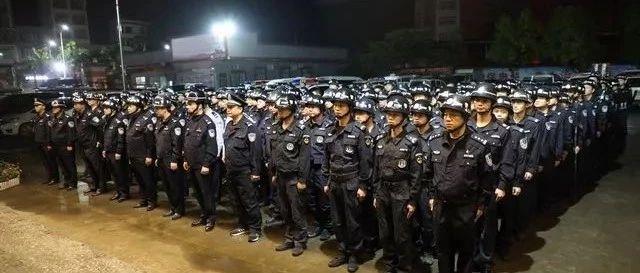 敢拿刀架人脖子、抢人、围堵民警两小时?陆川百余民警重拳出击!