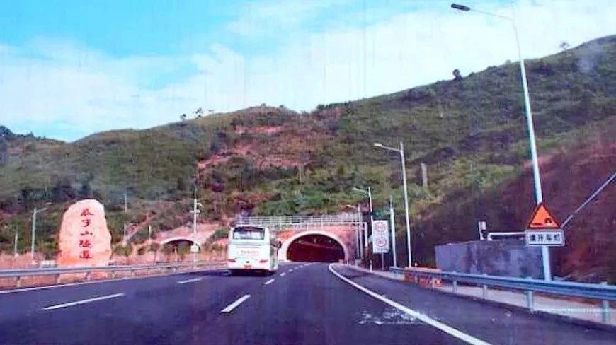 巴万高速最新消息!马岭岗隧道已完工70%,瓜子山隧道左右两线仅剩242米贯通!