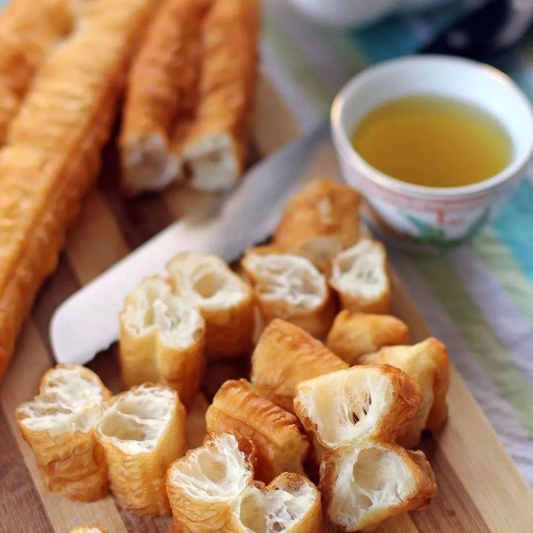【美食】花样油条做法来了,好吃安心又健康!