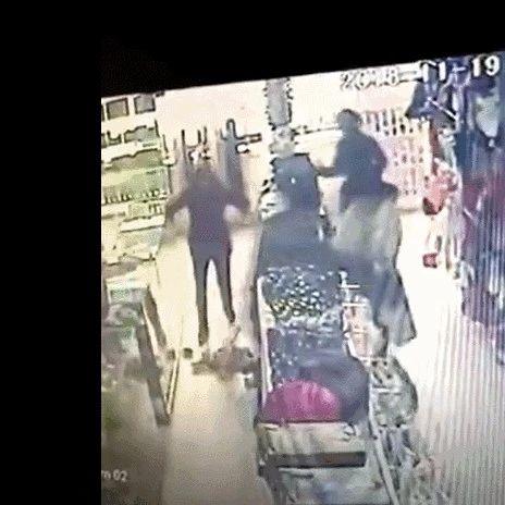 兴安男子持刀在市场连伤4人!现场视频疯传