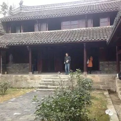 金寨�h�r民文化��@:村民心�`��息的殿堂