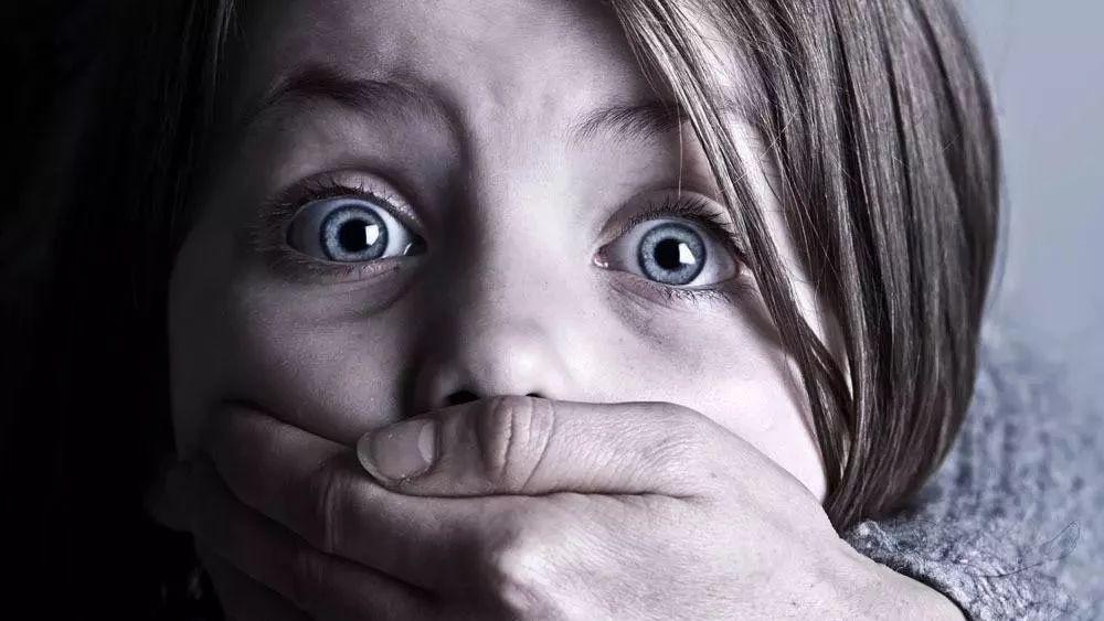 【警惕】澳门赌博网站家长们一定要重视:6岁女孩全身1/3鲜血流光!这东西卧室很常见,赶紧扩散...