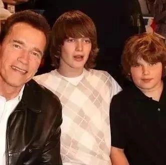 施瓦辛格的两个儿子,健身与不健身的区别到底有多大?!