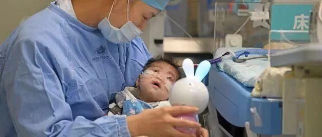 """亚洲最小患者""""换心""""手术成功66天宝宝重获""""心""""生!"""