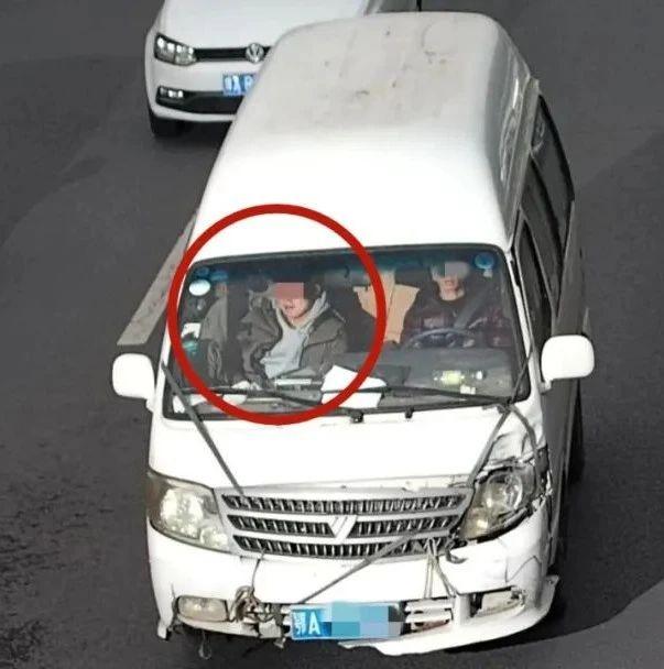 【曝光】一个月抓拍副驾驶不系安全带交通违法行为52173起
