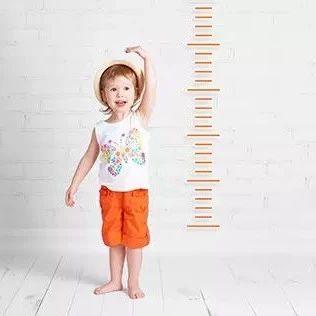 1—18岁男女孩最新身高标准表,你家孩子达标了吗?
