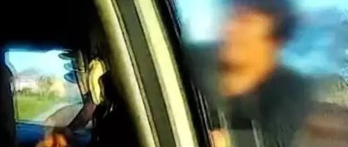 """谩骂村民、打砸村委物品、脱衣服阻拦警车……这名龙8国际娱乐中心""""女村霸""""更是""""厉害""""的!!"""