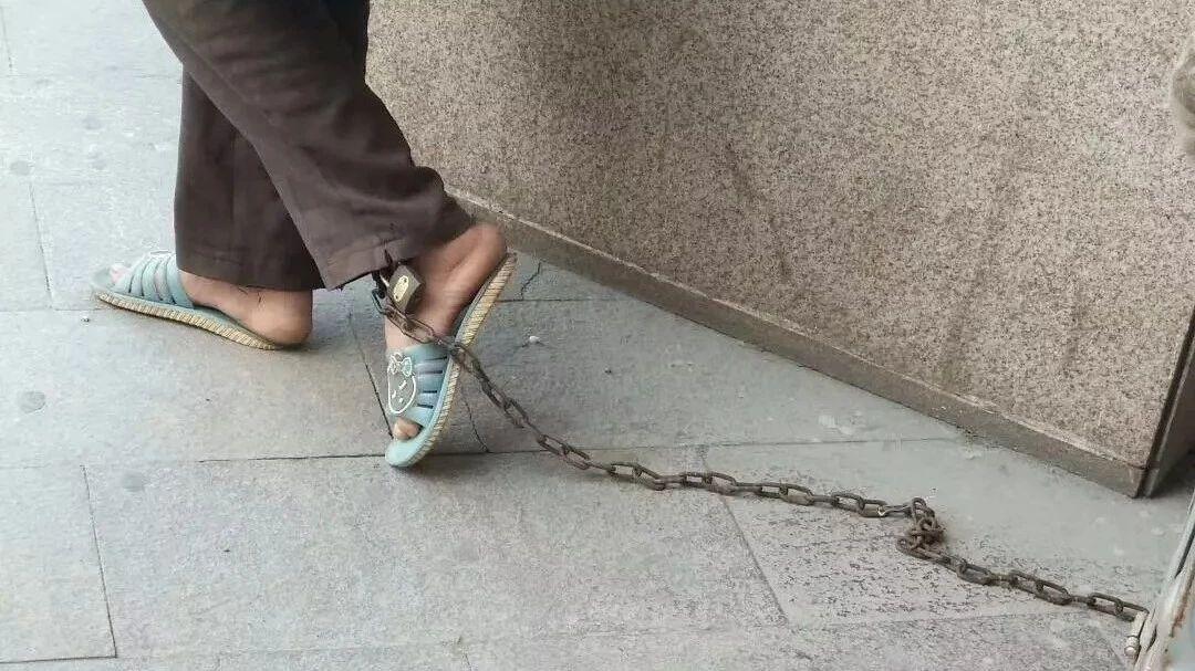 【视频】后续!!新开户送体验金银座附近出现被锁的女人,原来是因为...