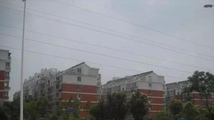【网友爆料】同泰花园北区下水道主管道堵塞为什么物业不管?