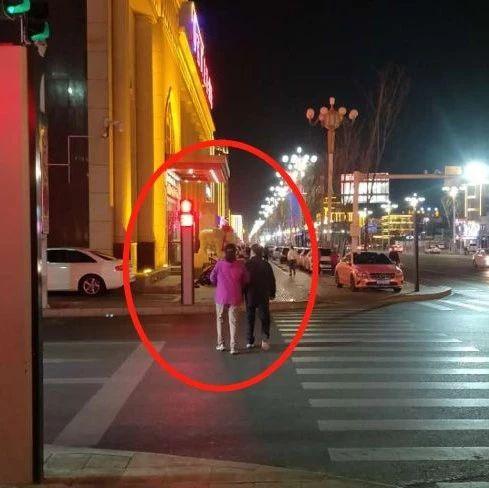 【城事】曝光!白城街头不文明行为被曝光!看看都有谁?