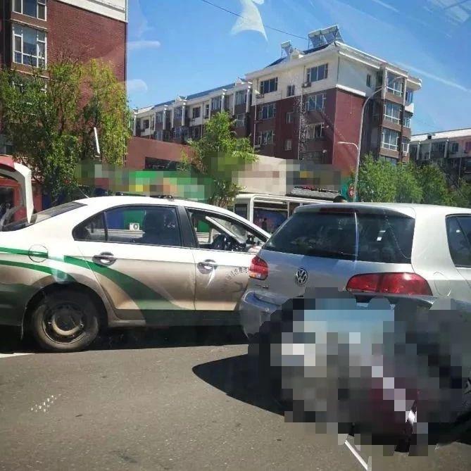 【城事】白城某条街道,频发事故,今日又发生两场事故,大家快速速绕开它!