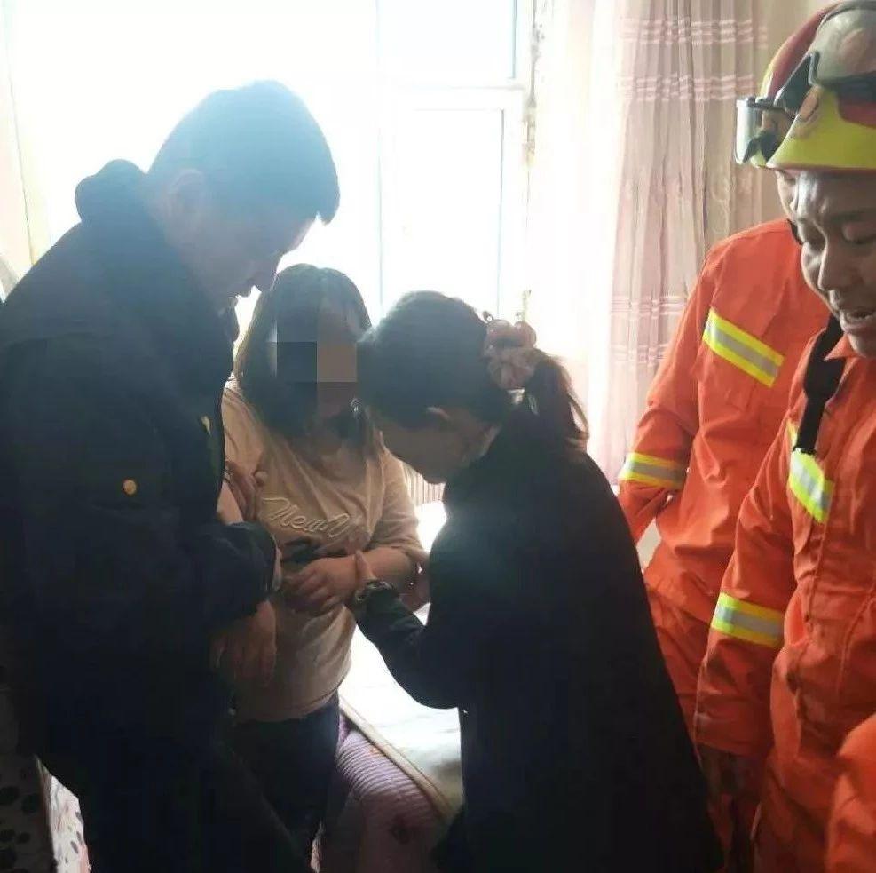 【城事】悬挂七楼!白城城管队员英勇解救轻生女子,好样的!