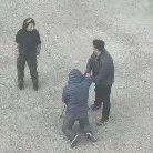 【城事】澳门金沙城中心一名老人当场跪倒,年轻男子在身旁却迟迟没扶,只因......