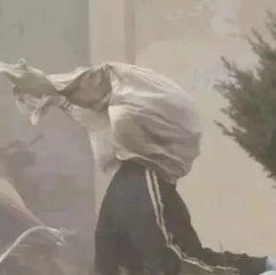 【城事】沙尘暴已到白城!快回家关窗!大风蓝色预警已发布,你今儿吃了几斤土?