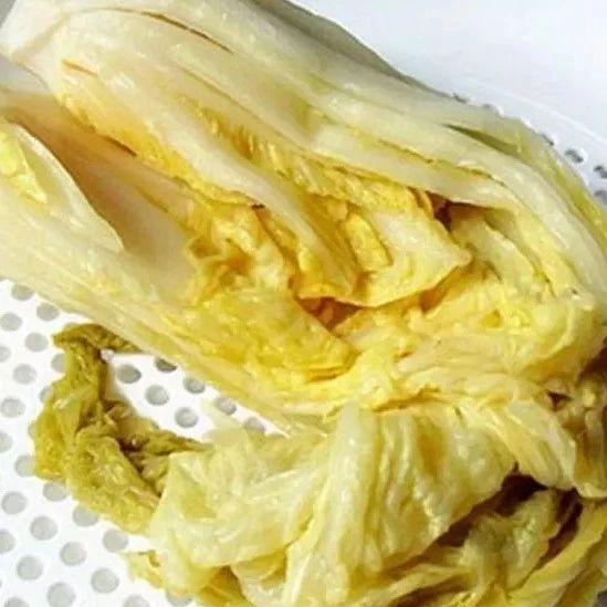 手把手教你腌制东北酸菜,做法简单,一看就会,口感酸,脆,爽