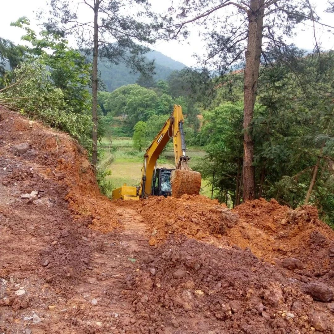 罗江乡一网友爆料:为何我的家乡修条路这么难呢?