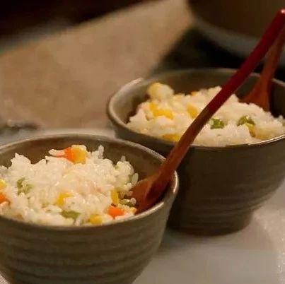 学会这几款焖饭,连菜都不用煮了!简单又方便!