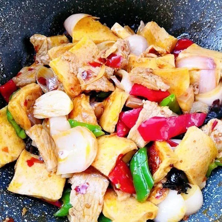 干锅千叶豆腐:鲜嫩又入味,开胃下饭没谁了