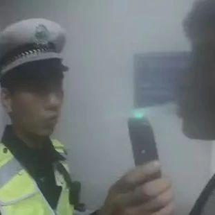 咋回事?河南一男子挪车把自己挪进看守所,连驾驶证也被吊销了!