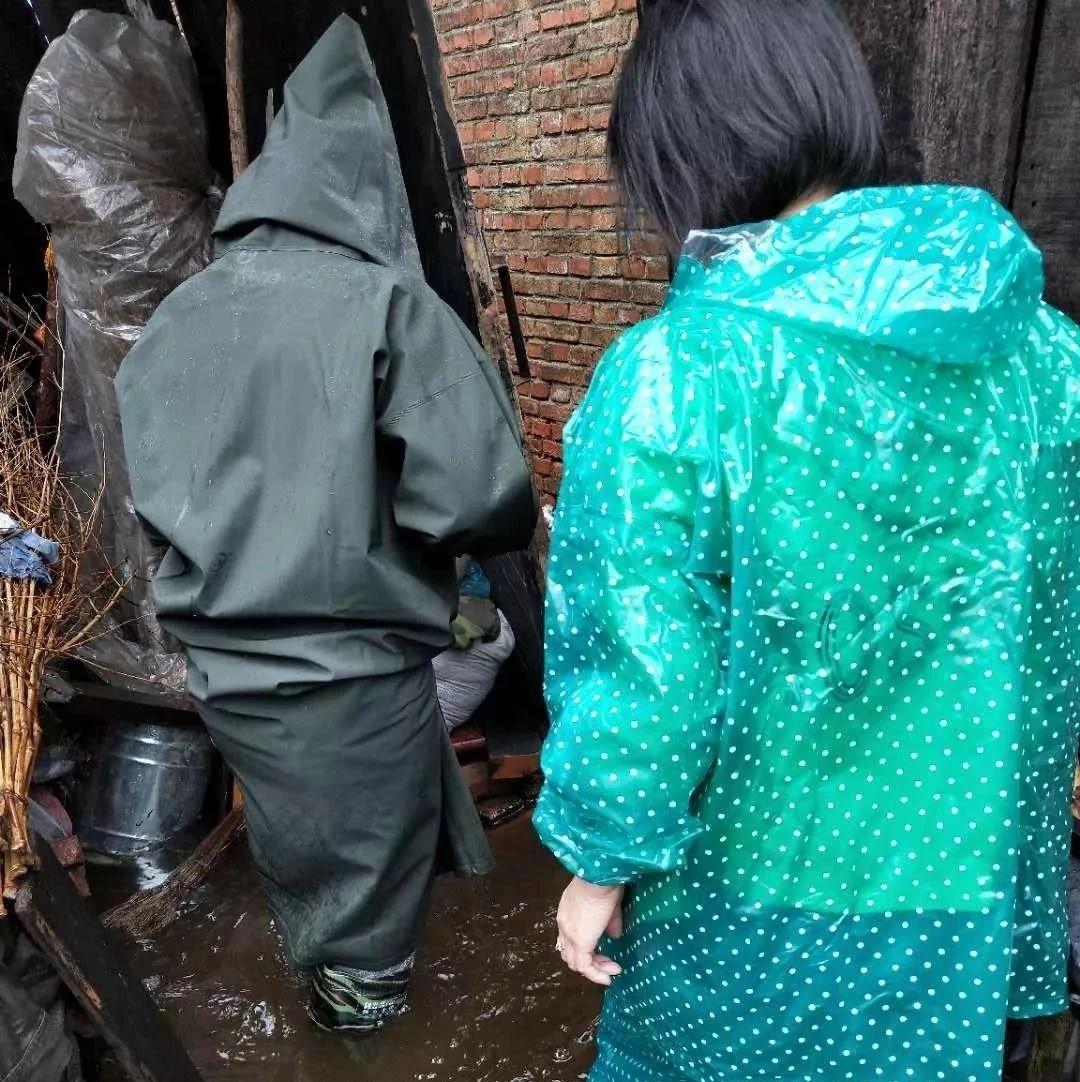事迹|暴雨洪灾面前,朗乡镇社区女干部救灾抢险、战斗在一线