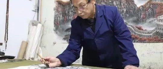 """笔尖下的""""家国情怀"""":七旬老人四十载钟情画长城"""