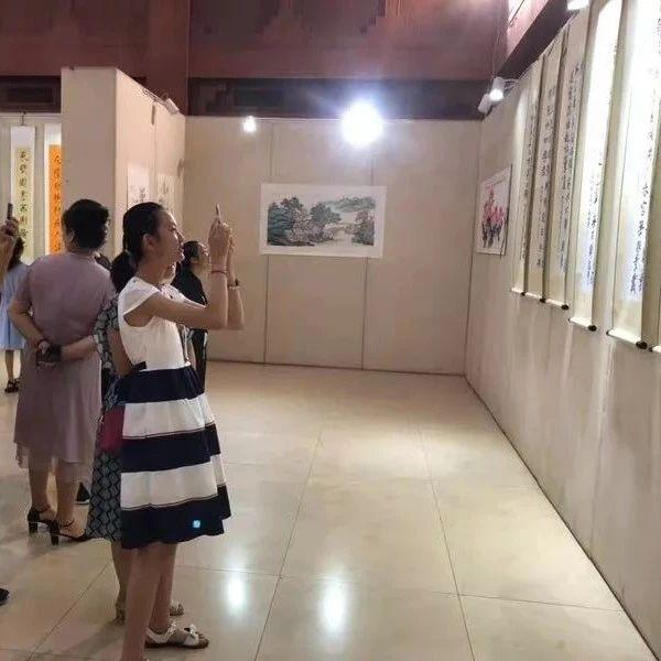 莱阳市民书画展开幕市民可免费欣赏