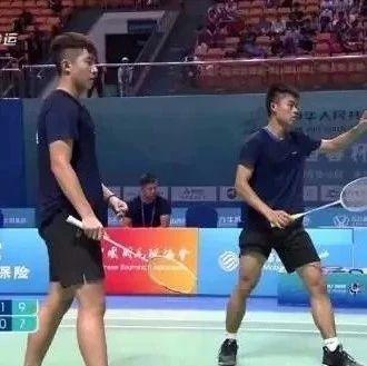 厉害了!富顺这名运动员代表省羽毛球队勇创佳绩!