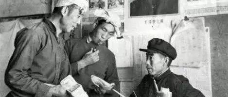 "【�r村改革40周年】""�y��y�N""退出�v史舞�_"