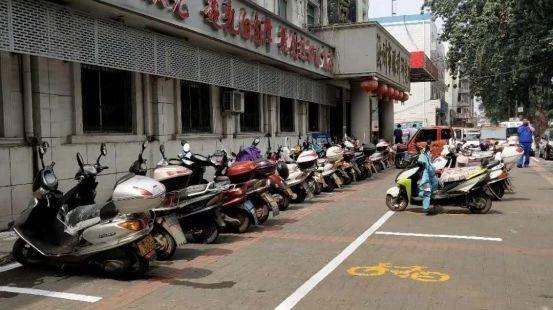 缓解停车难题方便市民出行!威尼斯人网上娱乐首页市新增3900多个停车位