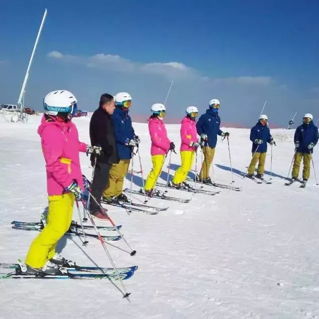 又到滑雪季!�S昌周�7大滑雪�鲫��m�_�I,��上家人朋友去雪地里撒�g啊~
