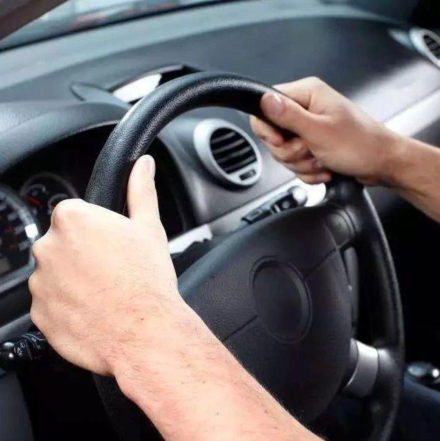 """司机高速上逆行33公里,理由竟是""""车?#32422;?#39128;了""""......"""