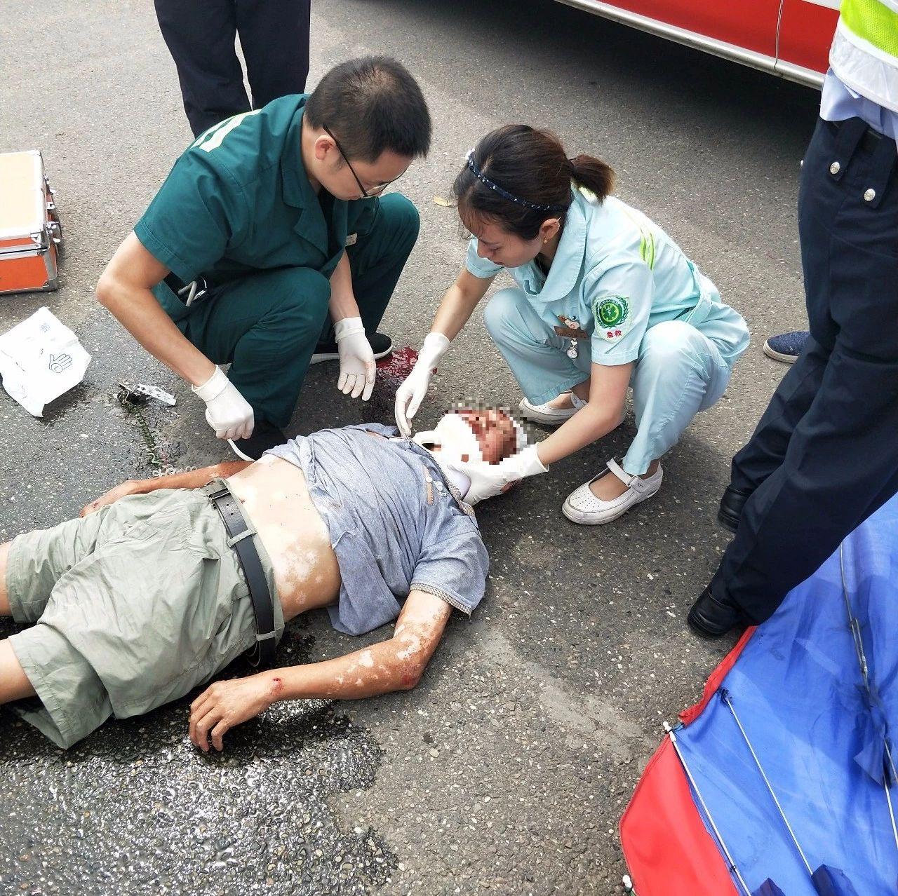今早遂宁发生两起事故,血的教训!你还敢这样开电瓶车吗?