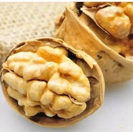 【健康】10大坚果食用禁忌:为了健康,请花两分钟看完!