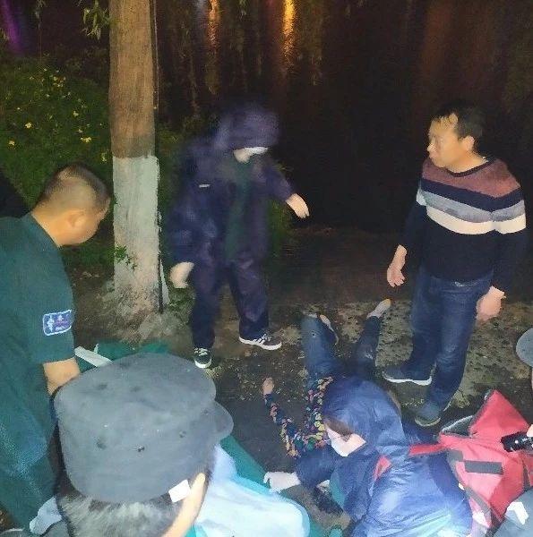 荆门一女子溺水,9人被困汉江孤岛...危机时刻他们挺身而出