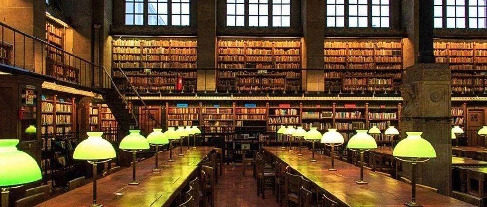 """复旦教授列的""""不必读""""书单火了:人生有涯,书是读不尽的,读尽也无用。"""
