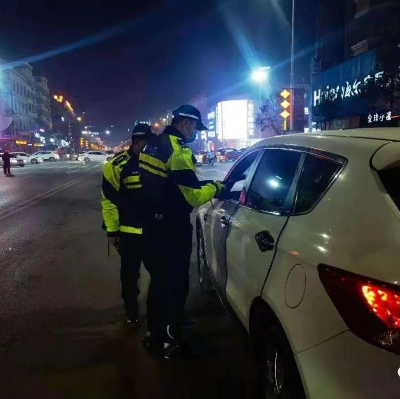 代驾走后,男子停车场内挪车被查,已拘留!