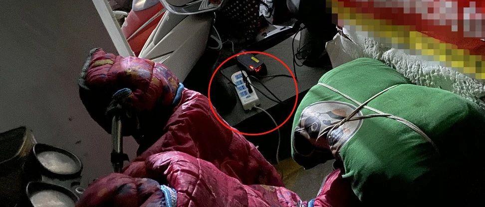 群里彩票赚钱是真的吗_黑龙江快三app软件主页-彩经_彩喜欢顺一小区停车场,一个线板不晓得充好多电瓶车!