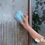 纱窗脏了别用水擦!不花1分钱,立马焕然一新!
