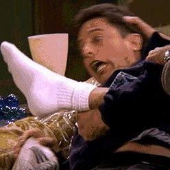 妈呀,恶臭!男子偏爱臭袜子的味道,结果染上…太可怕!