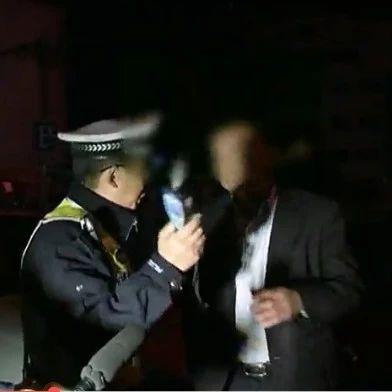 望江:开展酒后驾驶联勤整治行动