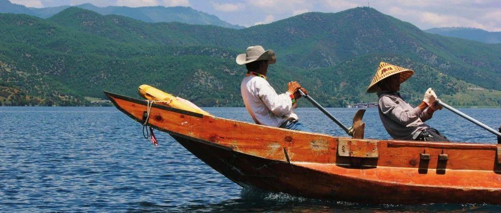 泸沽湖,离她近一点?