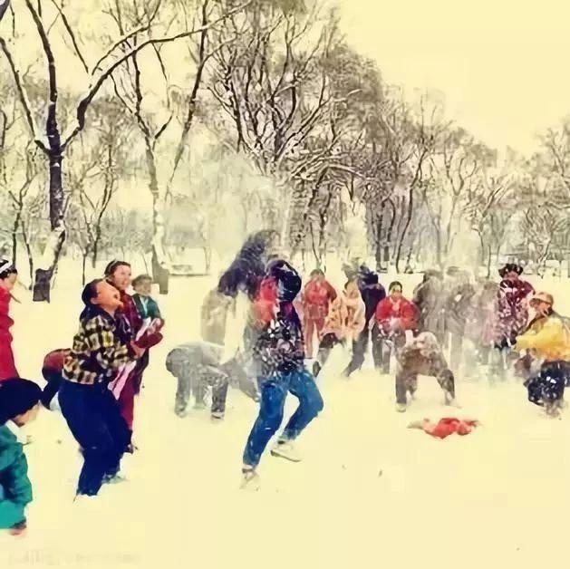我们小时候,风雪那么大,为啥冷不怕?