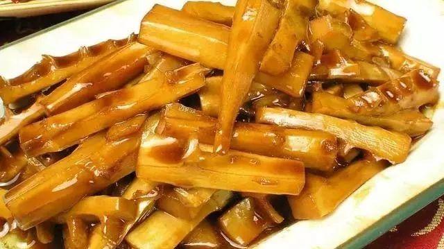媳妇做的炒土豆条,比薯条还好吃,孩子多吃一碗饭,味道真绝了!