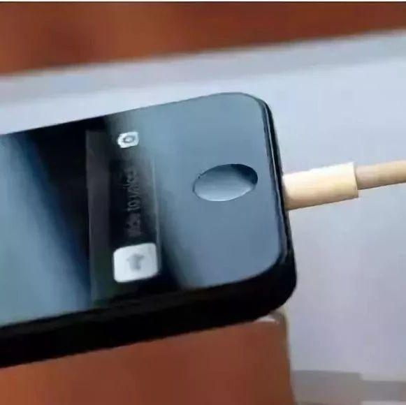 提醒!手机充电2个致命操作,99%的人都会这么做...
