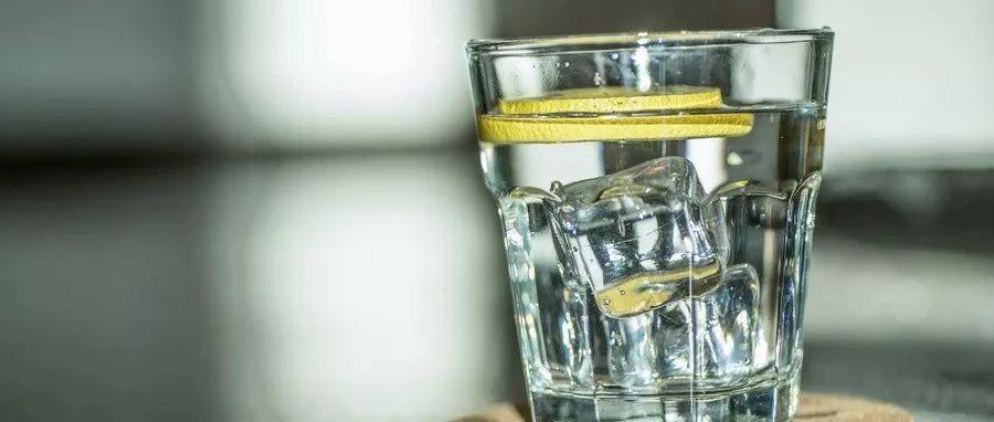 一瓶冰水下肚,28岁壮小伙立马心肌梗死!这些事情你必须注意……