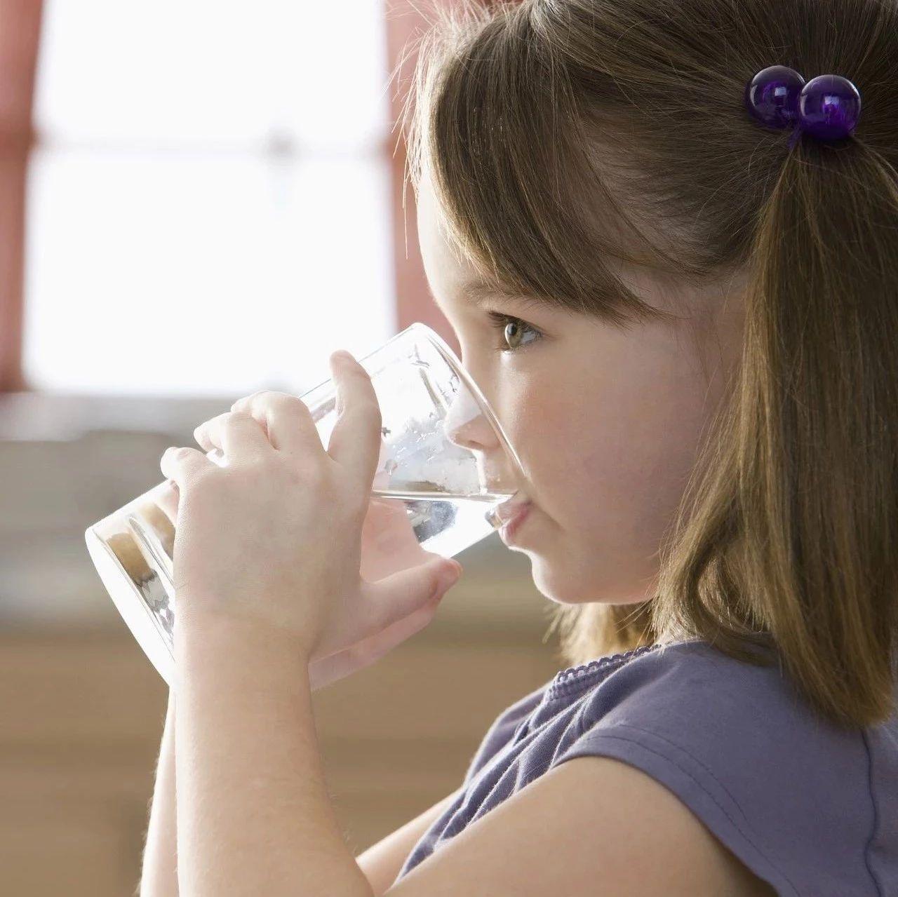 一杯水也能�|�l心�K��!心�K最怕�@5�N喝水方式,萍�l人一定要注意!