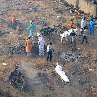 """印度疫情全面""""告急""""!日增34万例、氧气难求、当街焚尸…"""