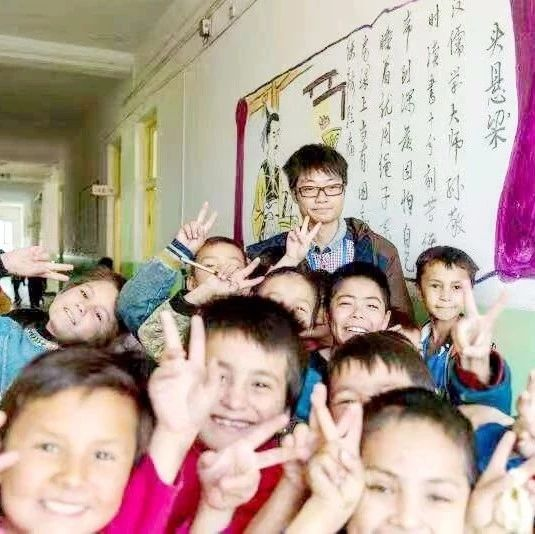 用爱浇灌边疆朵朵花――访我县江桥小学援疆教师王飞录